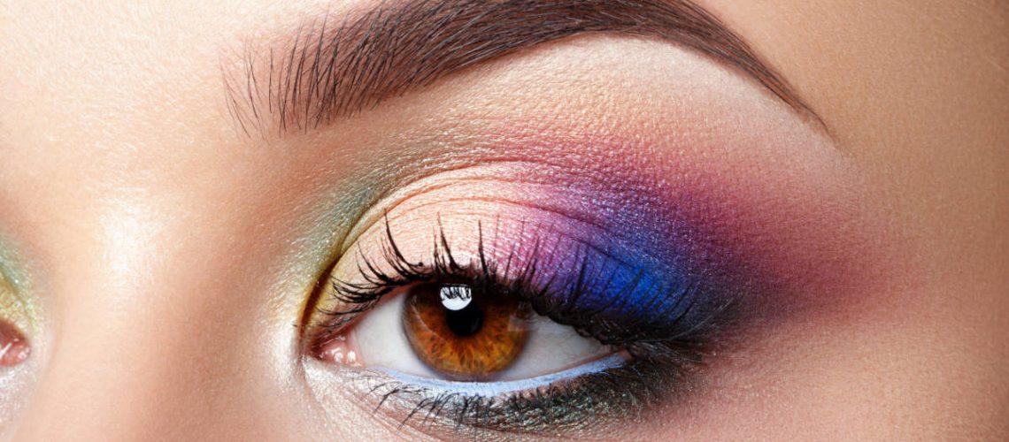 closeup-view-of-woman-eye-with-evening-makeup-HRBKPC8.jpg